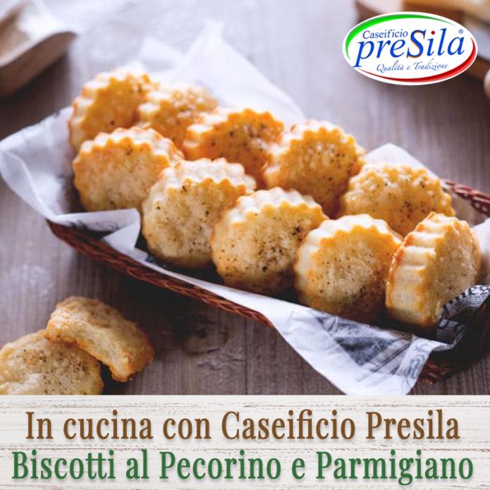 biscotti-al-pecorino-e-parmigiano